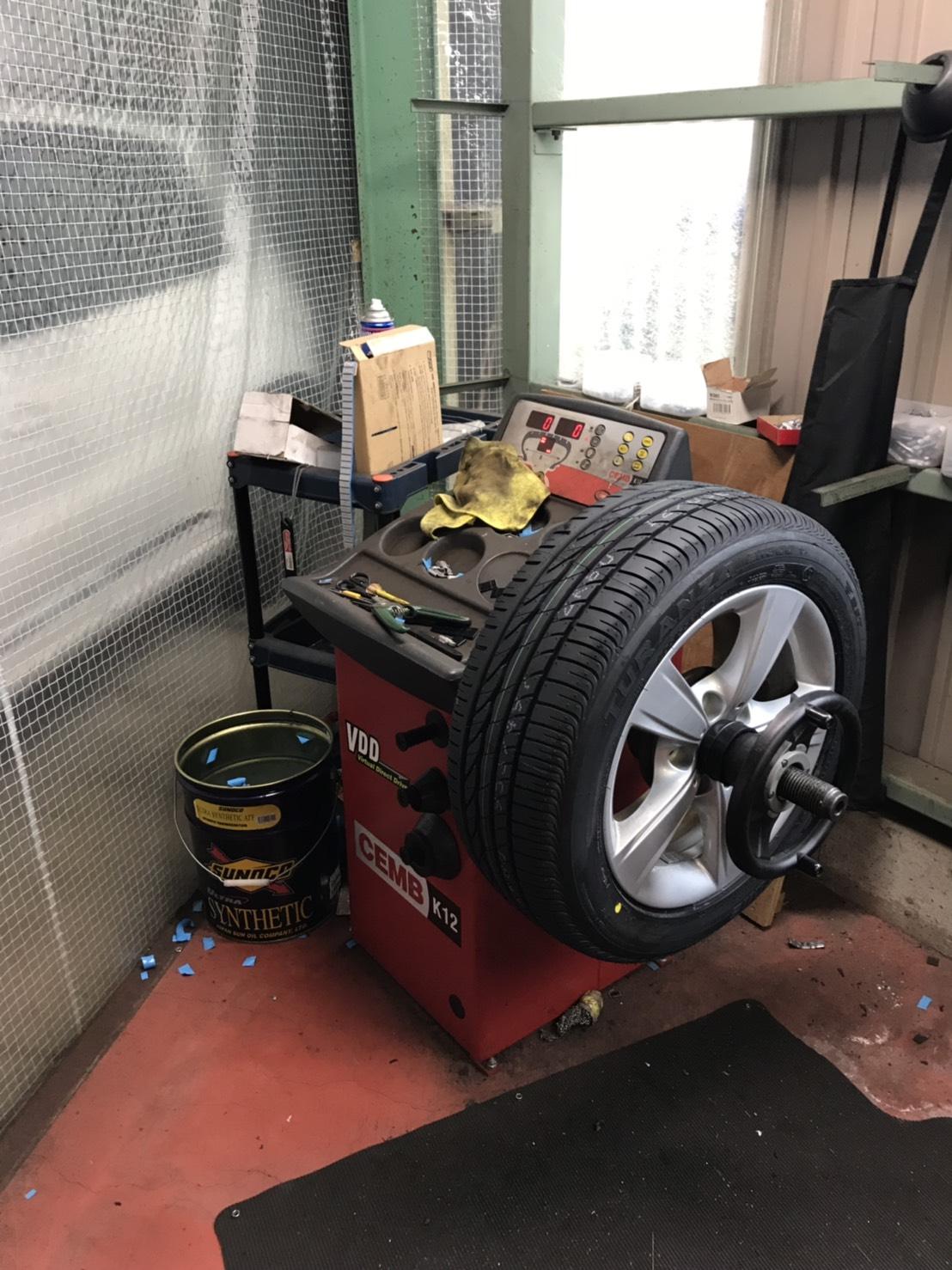 持ち込みタイヤの交換、オイル交換やってます!