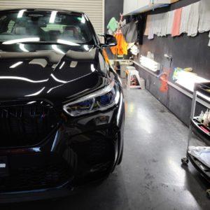 本日の業務!BMW X6M&トヨタ カローラアクシオ