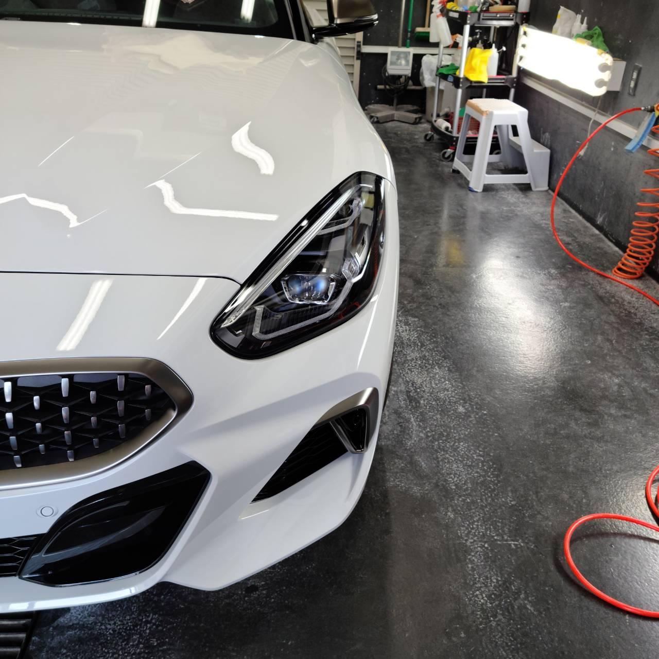 BMW Z4 コーティング&LANDROVERディスカバリーSP フィルム